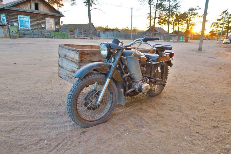 Khuzhir altes Motorrad