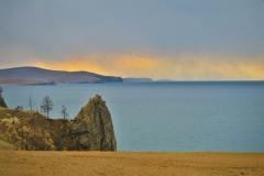 Baikalsee Sonne und Regen