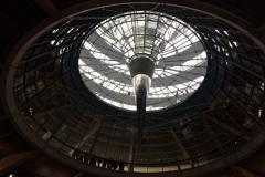 Bundestag-Reichstag-Glaskuppe-Blick-aus-dem-Bundestag