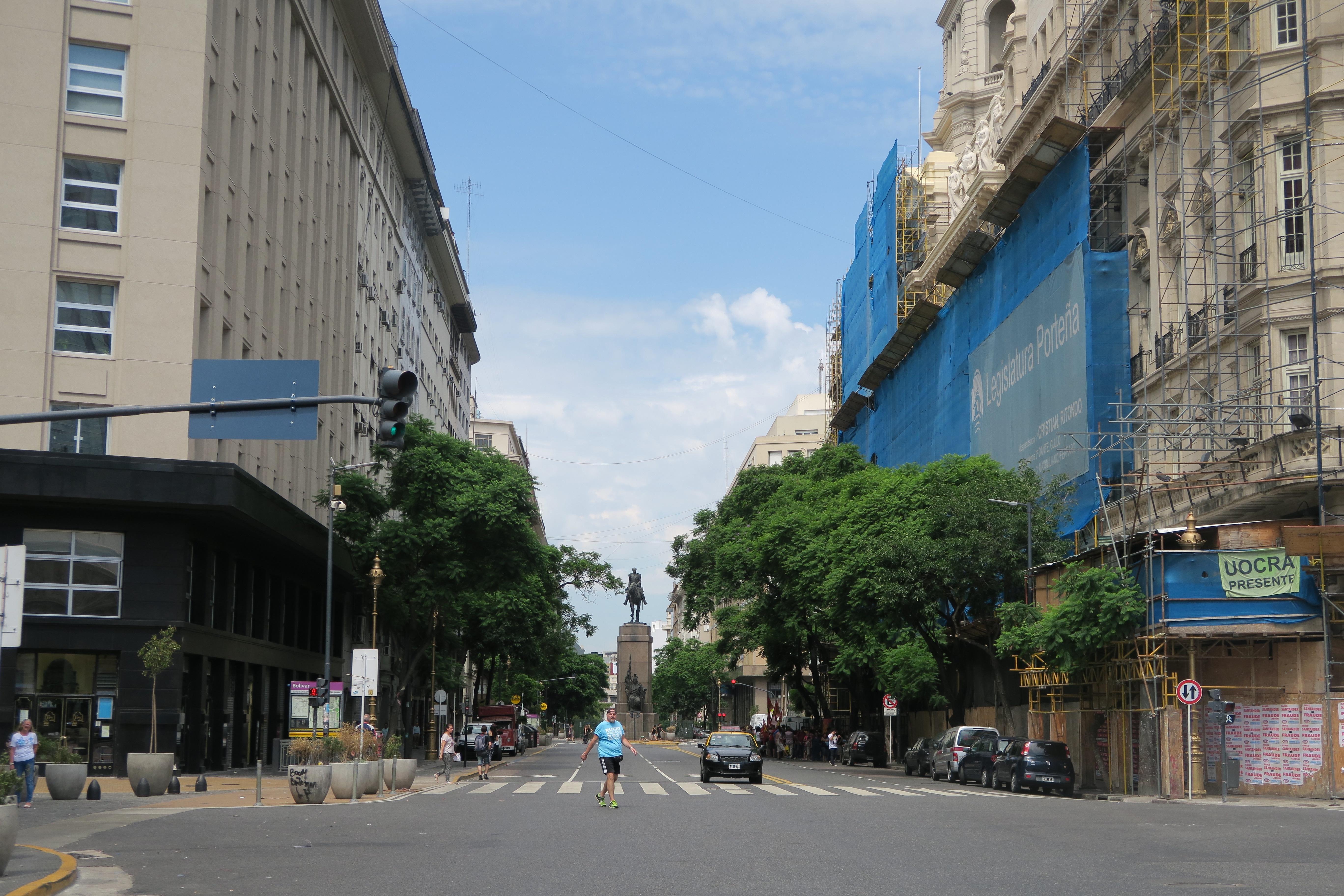Blick zum Monumento a Julio Argentino Roca