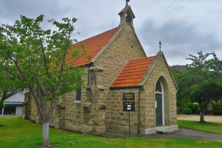 Katholische Kirche St Dunstan