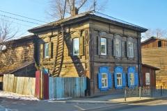 Altes Holzhaus mit Leiter