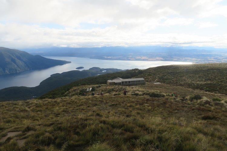 Luxmore Hut mit Lake Te Anau