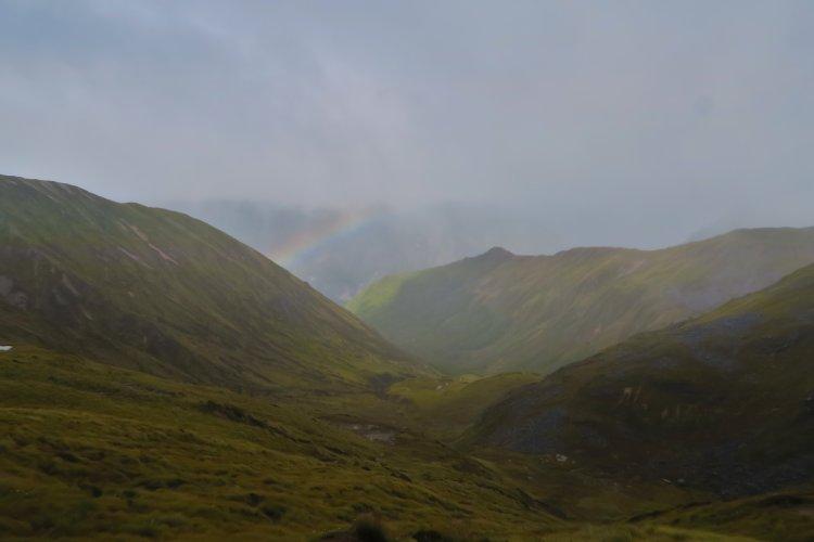 Regenbogen im Tal