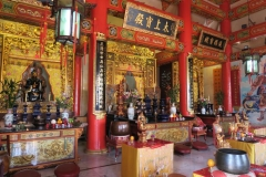 Fung Ying Seen Koon - Altar