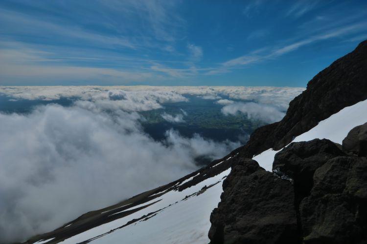 Ngarara Lizard - Blick bis zum fast 300 Kilometer entfernten Mount Tongariro