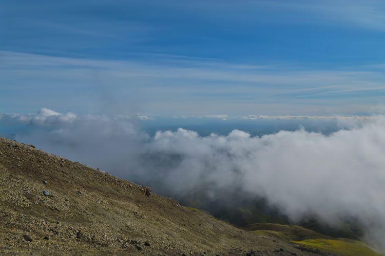 Summit-Route-knapp-über-den-Wolken