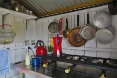 Airbnb-Shepherds-Hut-Glamping-Kueche