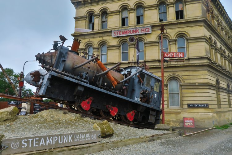Steampunk Headquarter - Lokomotive