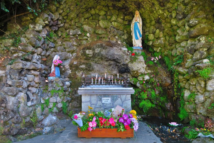Altar - Calle Clemente Holzapfel