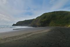 Ruapuke Strand - schwarzer Sand