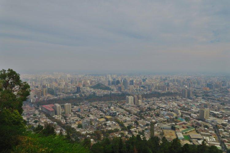 Blick-ueber-Santiago-vom-Cerro-San-Cristobal-2