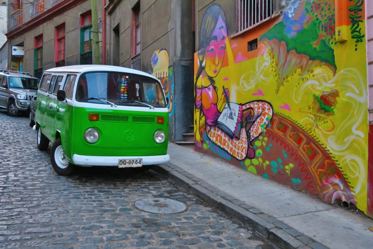 VW Bulli und Streetart