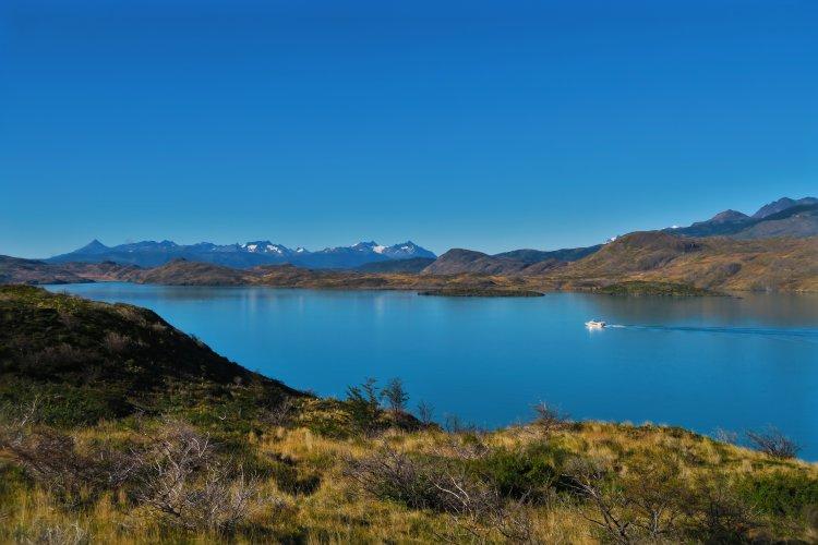 Fähre-auf-dem-Pehoe-Lake