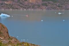 Fähre-auf-dem-Grey-Lake