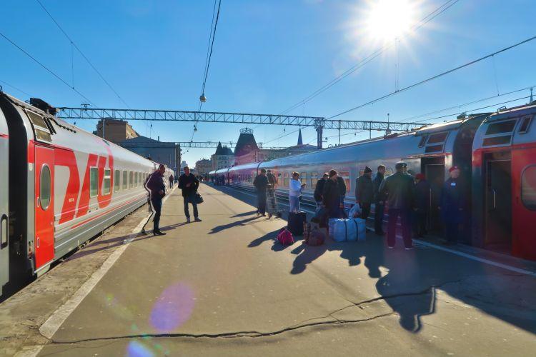 Moskau Passagiere checken ein