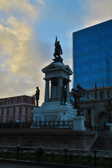 Monumento a Los Heroes de Iquique