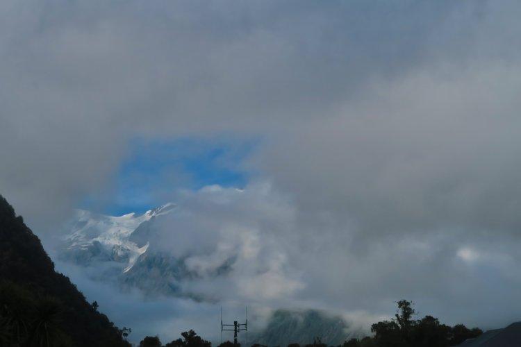 Franz Josef Gletscher hinter Wolken
