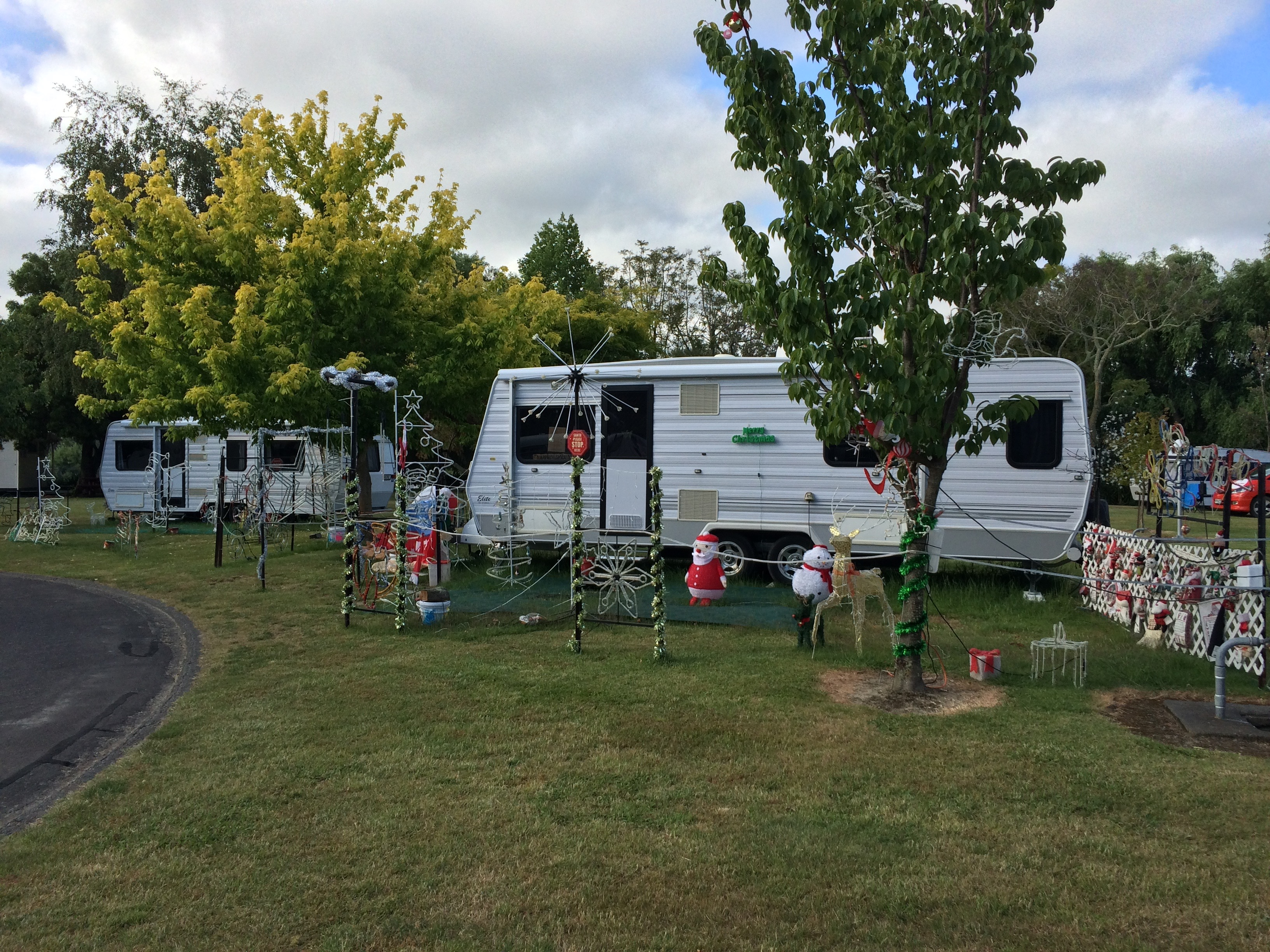Weihnachtsdekoration - Riverside Motor Camp